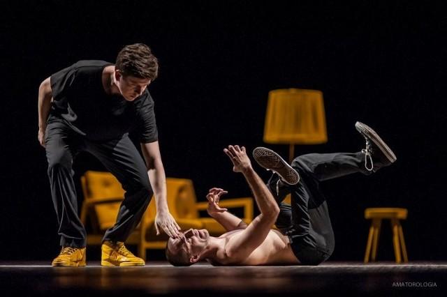 """Jak zapewniają chłopaki z Fair Play Crew, """"Amatorologię"""" zrobili z pasji, którą chcą dzielić się z wciąż nowymi ludźmi, nie tylko związanymi ze sceną taneczną"""