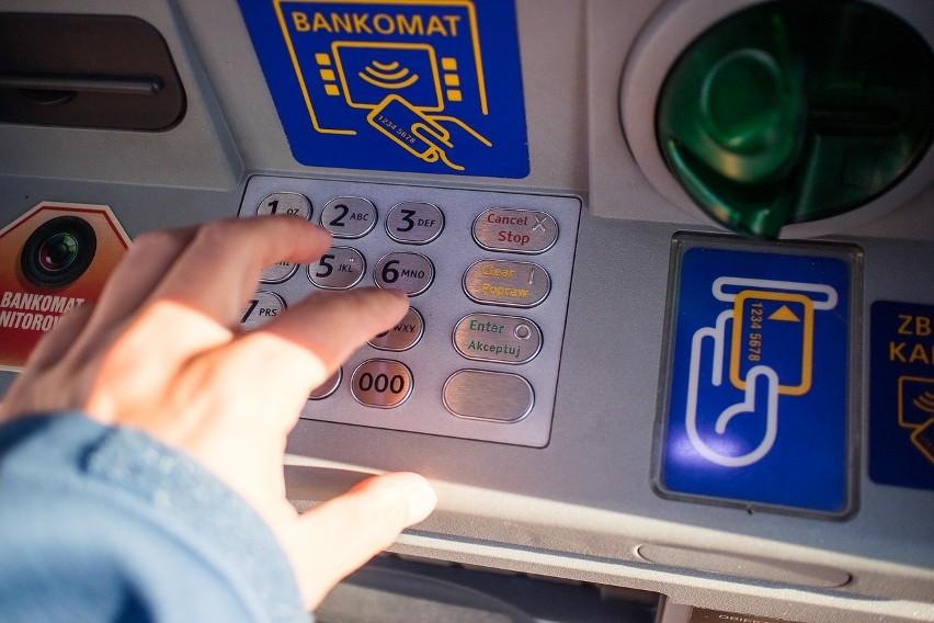 Aktualnie trzymanie pieniędzy na koncie w banku wydaje się...