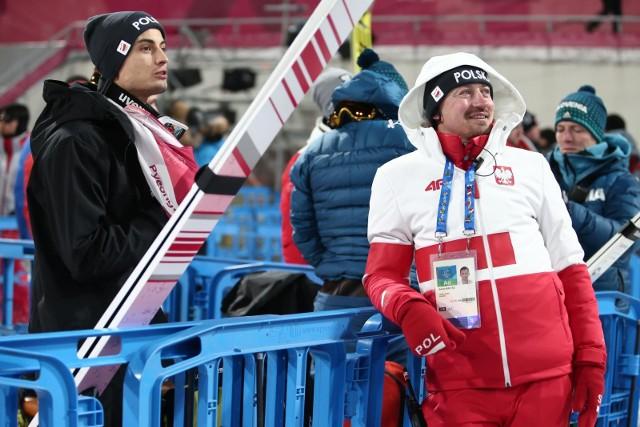 Adam Małysz (z prawej) spodziewał się medalu przynajmniej dla Stefana Huli.