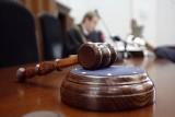 Sąd w Poznaniu: Chciał udusić siostrę... Jednak ona już nie żyła