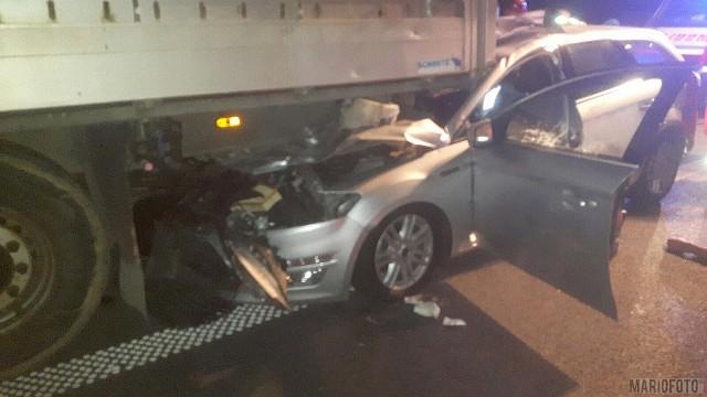Wypadek na A4. Nie żyje kierowca forda.
