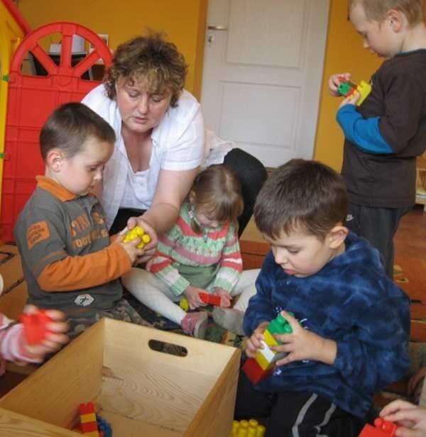 Jedną z nauczycielek w przedszkolu jest Elżbieta Lipicz, która z dziećmi pracuje od 25 lat