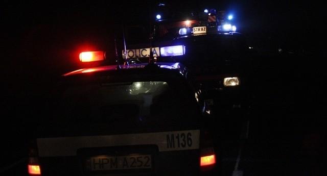 Policja wyjaśnia przyczyny wypadku.