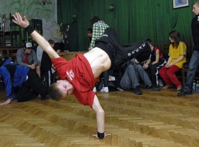 """Turniej tanca breakdance """"Walka o miasto"""" w Slupsku."""