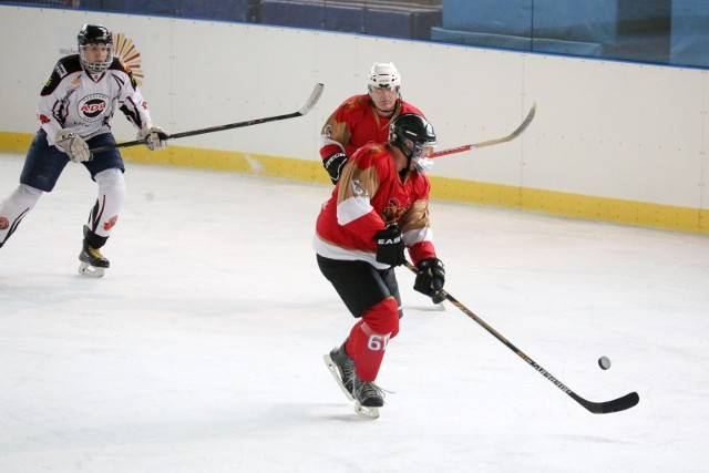 Bialystok 20.11.2016 hokej mecz husaria bialystok - legion warszawa fot. anatol chomicz / polska press / gazeta wspolczesna / kurier poranny
