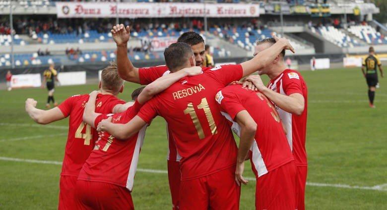 fa48baaa2 Piłkarze Apklan Resovii powalczą w Radomiu o czwarte zwycięstwo z rzędu.