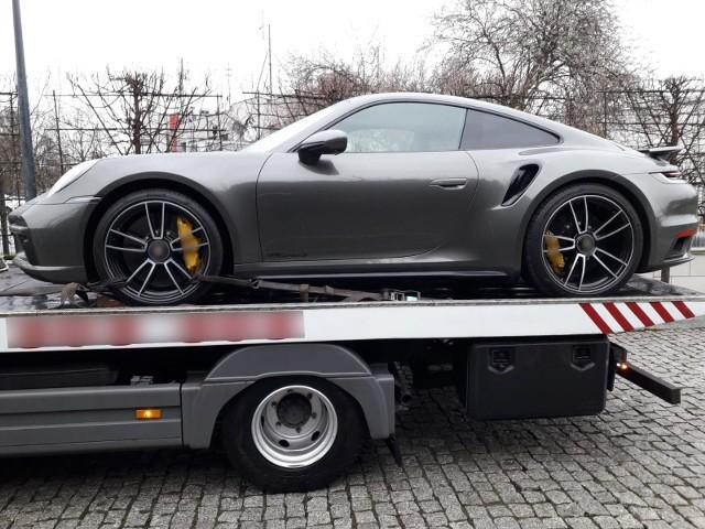 Na poczet prowadzonego postępowania zabezpieczony został samochód o wartości około miliona złotych należący do zatrzymanego.