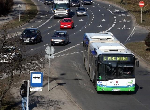 Poznaliśmy trzy warianty zmian w komunikacji miejskiej. Dwa przewidują likwidacje wszystkich autobusów pośpiesznych? A jeden, połowę