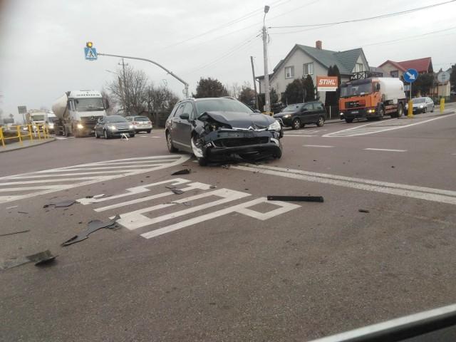 Do zdarzenia dosżło na drodze krajowej nr 65 w Knyszynie.