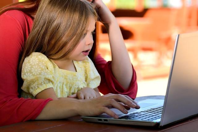 Nauka zdalna, izolacja i autyzm cyfrowy. Młodzież w kiepskiej kondycji psychicznej