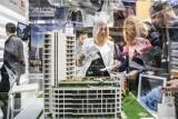Kto żyw, kupuje mieszkanie. Popyt na kredyty hipoteczne w maju się podwoił. Wyższe ceny mieszkań, to i więcej chcemy pożyczyć: 13.06.2021