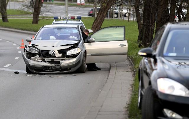 Dwa samochody zderzyły się na ul. Mieszka I w Szczecinie.