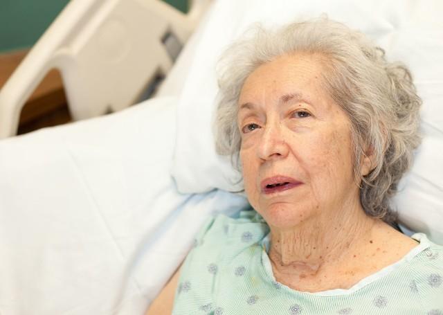 Choroba Alzheimera najczęściej dotyka kobiety po 65. roku życia.