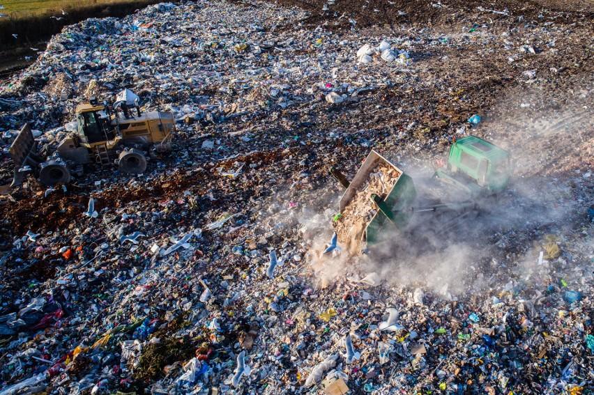 Największe wysypiska śmieci na świecie. Są tak ogromne, że zmieściłaby się w nich Polska... 5 razy!