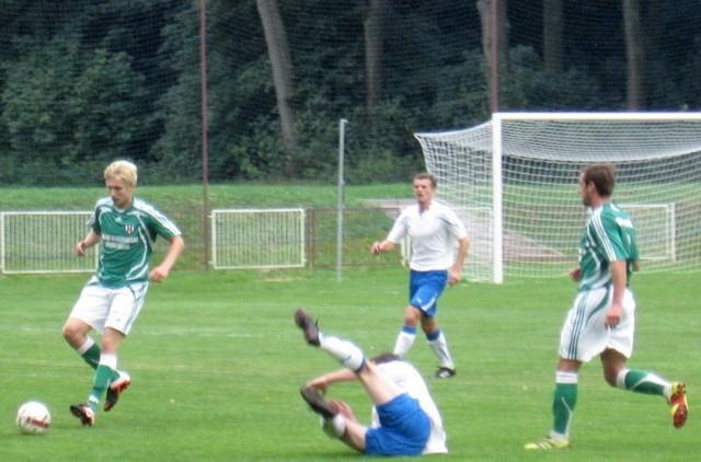 Orzeł (zielone koszulki) pokonał kolejnego rywala w meczach sparingowych
