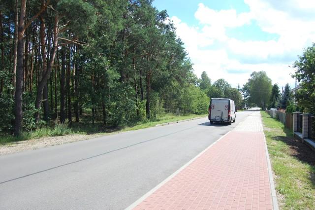 W tym lesie przy ulicy Most Kopański znajduje się cmentarz żydowski