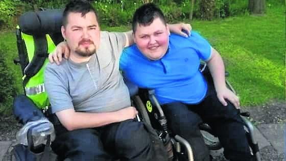 Piotr i Michał Sitarscy chorują na zanik mięśni. Własne auto to dla nich szansa na wyrwanie się z czterech ścian.
