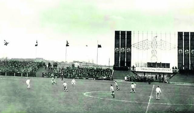 Stadion powstał na... bagnistym terenie. Jak na lata 30. był  bardzo nowoczesny.  Zbudowa-no go w 15 miesięcy. Nowy -  prawda, że z zupełnie innej epoki - budowano od września 2011r.