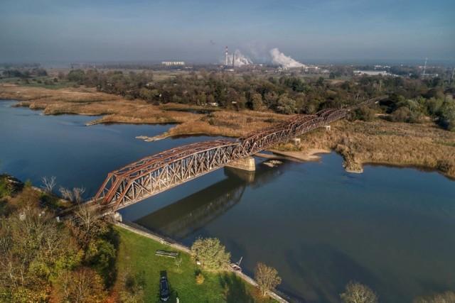 Most kolejowy nad Odrą między Kostrzynem, a Kietz, zostanie rozebrany i wybudowany od nowa. To będzie się wiązało z utrudnieniami dla osób jeżdżących z Kostrzyna do Berlina.
