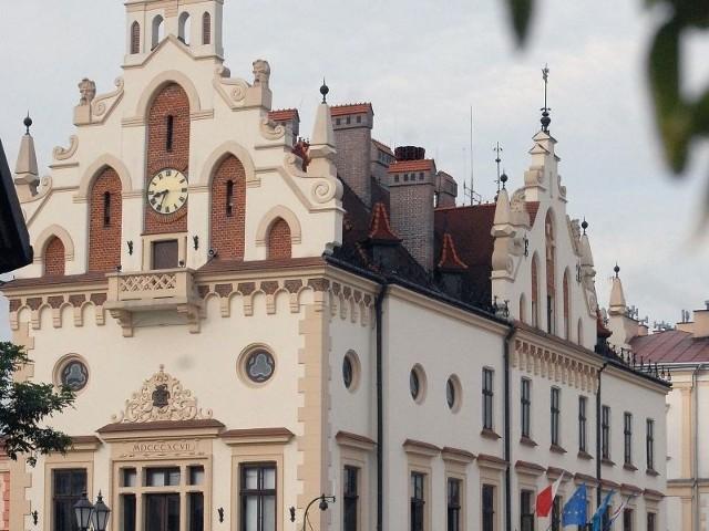 Jak spożytkowano pieniądze UE. Rzeszów w czołówce rankinguRzeszowski Ratusz.