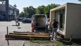 Pawilon po dawnej kwiaciarni zniknął z ronda Jagiellonów. Stoi w nowej lokalizacji