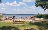 Plaże i pomosty z zakazami wstępu w Boszkowie. Nad jeziorem Dominickim nie brakuje takich miejsc [ZDJĘCIA]