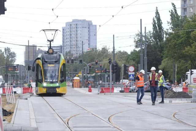 Prace przy przebudowie ronda Rataje koncentrują się m.in. na ul. Zamenhofa