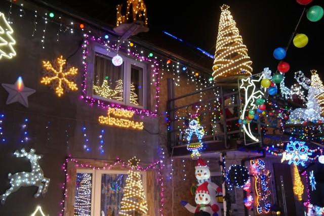 Najpiękniej oświetlone domy na Dolnym Śląsku znajdują się w Trzebnicach w powiecie polkowickim