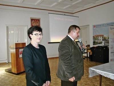 Grażyna Piotrowska i dr Piotr Brandys, inicjatorzy zorganizowania konferencji Fot. EWA TYRPA