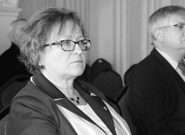 W wieku 54 lat zmarła Wioletta Domańska, radna Powiatu Pabianickiego. Była dyrektorem SP ZOZ MEDiKSA w Ksawerowie.