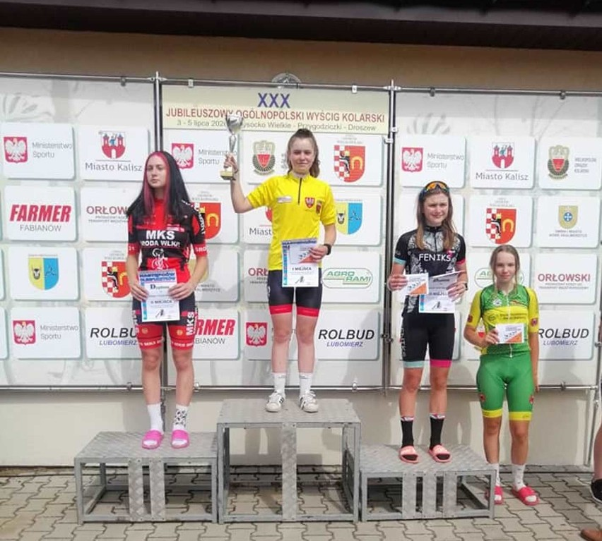 Kornelia Braun (Ziemia Darłowska) na 1. stopniu podium trzyetapowego wyścigu