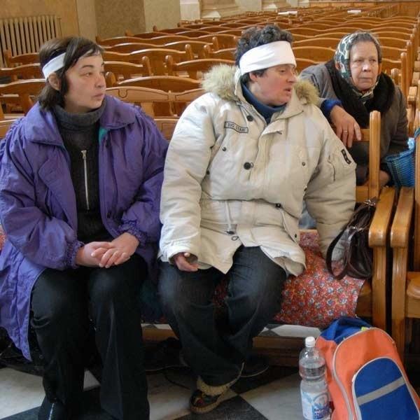Oficjalnie kościół św. Marii Magdaleny podlega Radzie Miasta Lwowa. Głodujący w nim chcą to zmienić.