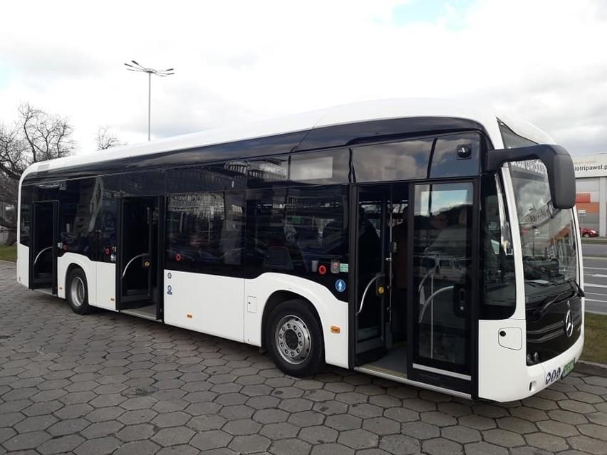 Gdańszczanie testują elektrobus eCitaro. Przejazd zeroemisyjnym pojazdem możliwy do 24 marca