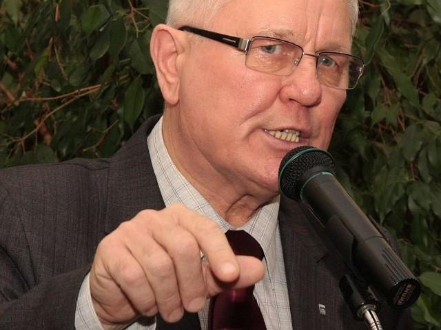 - Wprowadziliśmy bardzo surowy program oszczędnościowy. Dzięki temu zadłużenie Międzyrzecza wynosi zaledwie 24 procent i jest znacznie mniejsze, niż w większości gmin - mówił wczoraj burmistrz Tadeusz Dubicki.