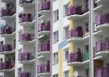 Łódź: teren usługowo-parkingowy, ale deweloper ma zgodę na postawienie bloków. Dzięki radnym zarobi miliony?