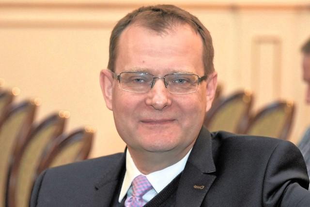Przez kolejne cztery lata Uniwersytetem Medycznym w Białymstoku będzie kierował prof. Adam Krętowski. Ma 49 lat. Przez ostatnie lat był prorektorem do spraw nauki na UMB. Na uczelni pracuje od 25 lat.