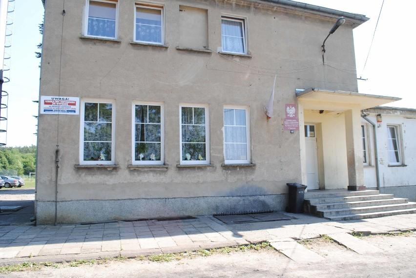 Odpowiednie organy prowadzą postępowania wyjaśniające w sprawie niewybuchu w szkole w Toporowie.