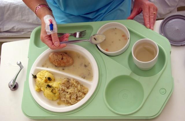 Jak mówi Elżbieta Gniadek, położna z Uniwersyteckiego Szpitala Klinicznego przy ul. Borowskiej, karmiąca mama powinna unikać np. ciężkostrawnych tłustych potraw