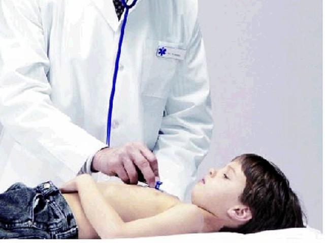 Jeżeli poważne zakażenia, jak zapalenie płuc, oskrzeli czy zatok powtarzają się lub słabo odpowiadają na leczenie antybiotykami, trzeba powiedzieć o tym lekarzowi pierwszego kontaktu, który następnie skieruje do specjalisty.
