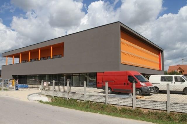 Duże centrum handlowo usługowe powstaje w podkieleckiej BilczyNowe, duże centrum handlowo usługowe powitej w Bilczy. We wrześniu przyjmie pierwszych klientów.