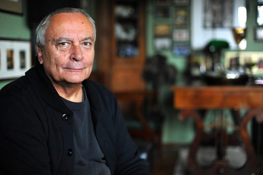 Andrzej Matul (ur. 1947) - lektor i dziennikarz radiowy,...