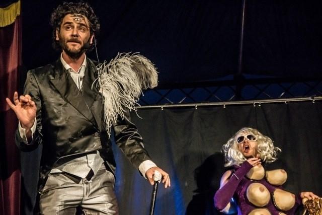 """W piątek o godzinie 20 w Starym Korycie Warty będzie można zobaczyć spektakl """"Freak Show"""" Teatru Circus Ferus"""