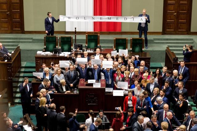 Wideo: INFO Z POLSKI odc.14 - przegląd najciekawszych informacji ostatnich dni w krajuźródło: vivi24/x-news
