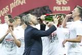 Polacy fetowali awans na EURO 2020. Lał się szampan. Zobaczcie galerię zdjęć z radości reprezentantów