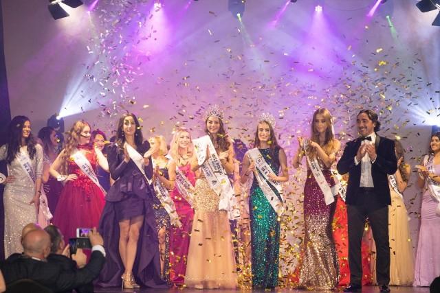 Zdjęcia z gali, na której koronę Miss Polski UK & Irleand dostała Sandra Salamon z Barcina.