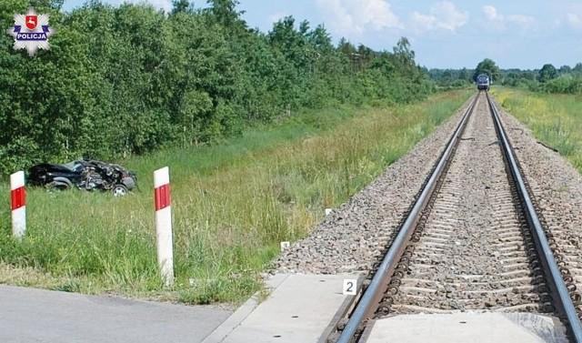 Do tragicznego wypadku doszło w czwartek na przejeździe kolejowym w miejscowości Jaski gm. Radzyń Podlaski