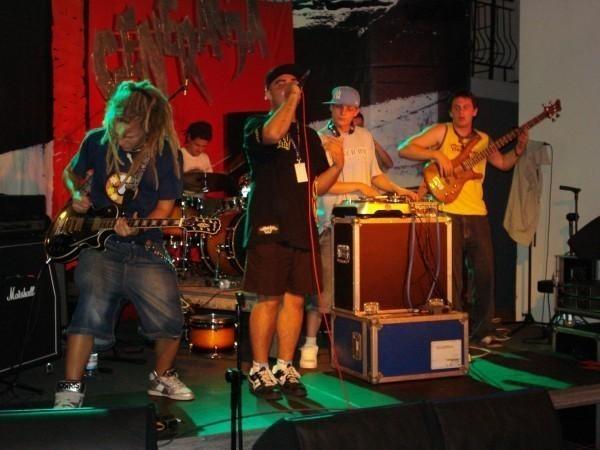 CarPets wygrali już szereg przeglądów muzycznych. Ostatnio zakwalifikowali się do kolejnego etapu eliminacji Festiwalu GRAMY 2010.