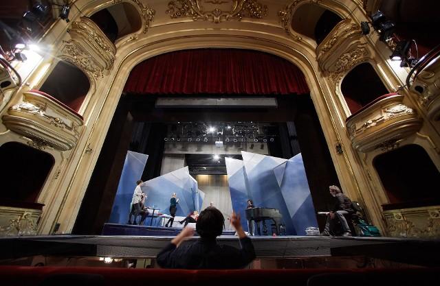 """Próby do """"La Rondine - Jaskółki"""" w Operze Śląskiej.Zobacz kolejne zdjęcia. Przesuwaj zdjęcia w prawo - naciśnij strzałkę lub przycisk NASTĘPNE"""