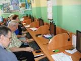 Seniorzy nauczyli się korzystania z internetu