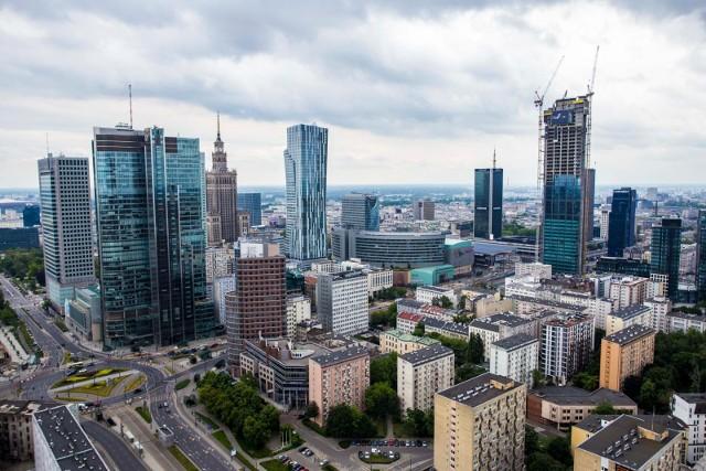 """- Polska gospodarka odrobiła pandemiczne straty!- komentują eksperci Banku PKO Banku Polskiego i dodają, że """" Jesteśmy na ścieżce szybkiego wzrostu."""""""